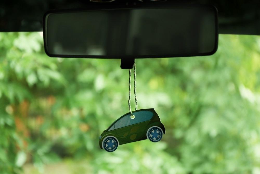 Een luchtje in de auto hangen